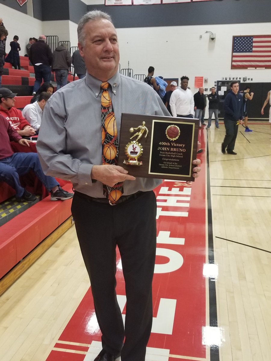 Congrats to Coach John Bruno on his 400th win tonight! OC over LCMR 67-63! <br>http://pic.twitter.com/hkKD2QAPlp
