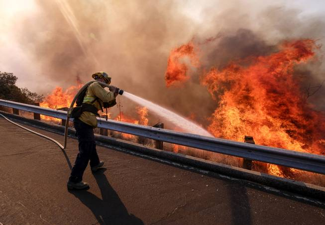 U.S. shutdown stalls training, other prep for wildfire season https://t.co/jbhHBcDfR4
