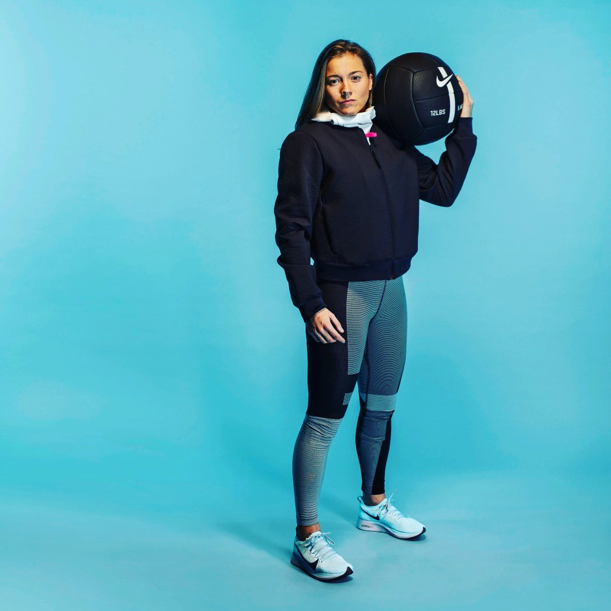 Shooting with @NikeUK @nikewomen @nikesportswear for the new Tech pack collection  this range is  #nikesportwear #PretendingToBeAModel <br>http://pic.twitter.com/19J1IqOZsu