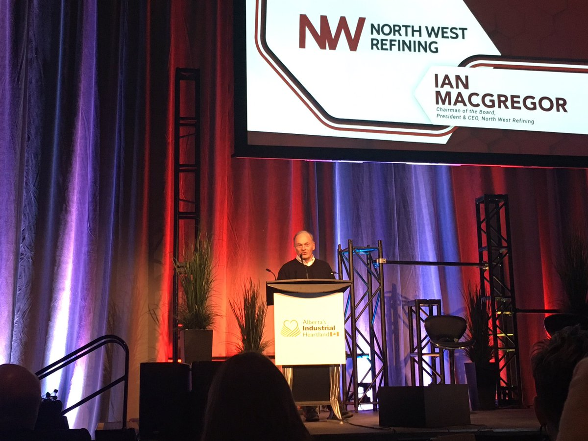 Our CEO Ian MacGregor addressing the crowd of 1000+ @ABheartland stakeholder event #ABHeartland #SturgeonRefinery