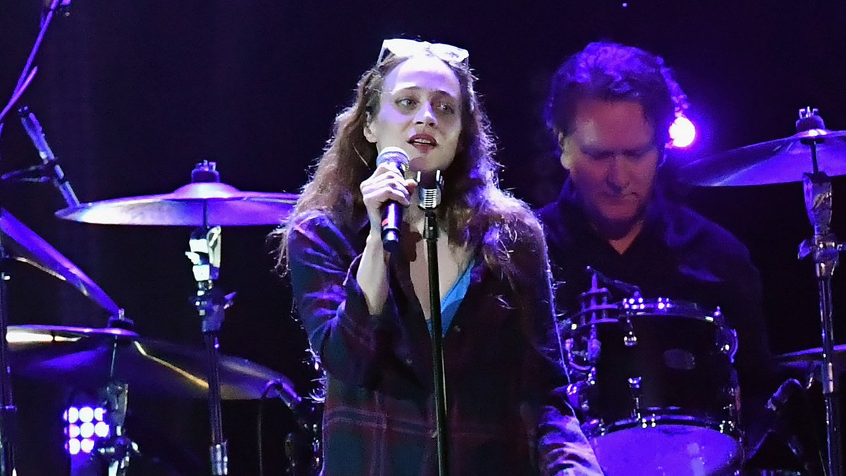 Watch Fiona Apple's spellbinding Temple of the Dog cover at Chris Cornell tribute https://t.co/ZsZbKHGQAS