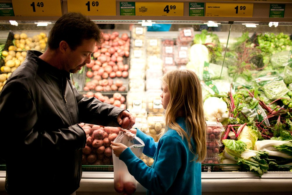 RETWEET: Due to the #Shutdown, the @USDA is issuing February SNAP benefits this week which is earlier than usual. Families may be confused but these benefits MUST last through the end of February. Share now to spread the word! http://bit.ly/2sAUTed