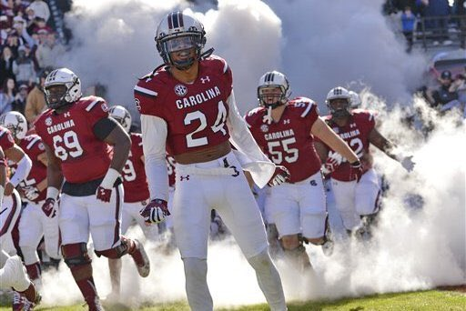 Blessed to receive an offer from South Carolina @Mansell247 @RecruitGeorgia @GamecockCentral @GamecockFB <br>http://pic.twitter.com/ardY0PQfVV