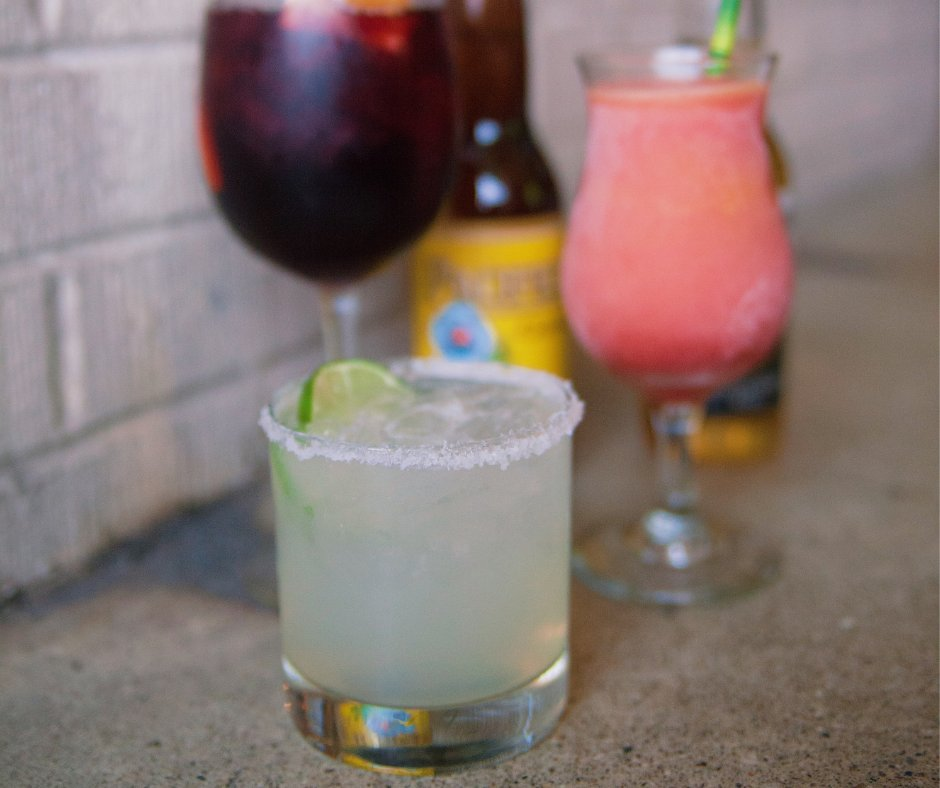 See you for Late Night Happy Hour tonight? We&#39;ve got specials on drinks and food for you to ring in the weekend from 9-11! #drinks #happyhour <br>http://pic.twitter.com/chNy4TKUby