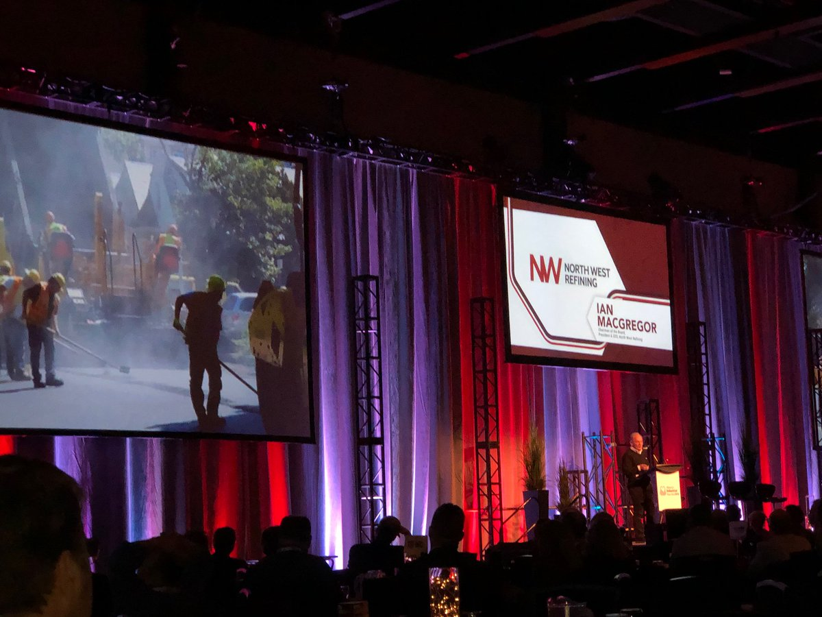Inspiring and engaging speaker, Ian MacGregor, with a compelling story from @NWRefiningInc  @ABheartland @NWRSturgeon