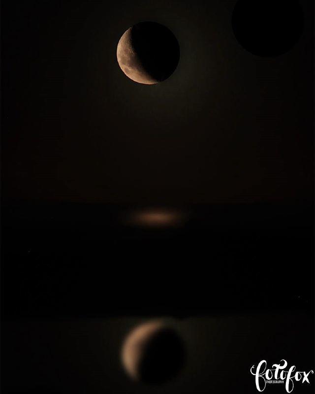 Super Blood Moon. Tide Pool. Wainuiomata Coast. . . #astrophotography #moonshot #nightsky #night #NewZealand #nz #zoom #superbloodmoon #skyphotography #wellingtonnz #Wellington #NewZealand #NZ #wainuiomata #darkskyshots http://bit.ly/2W0AEV2