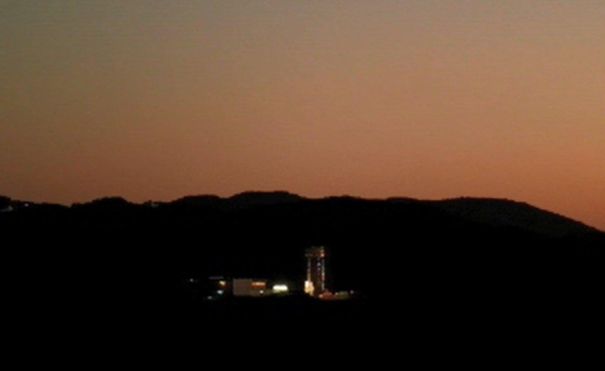『打上げまであと3時間!』  内之浦宇宙観測所では、革新的衛星技術実証1号機/イプシロンロケット4号機の打上げ準備は着々と進行しています!  打上げライブ中継は、2019年1月18日(金)9時25分~10時50分頃 です。 https://t.co/xLG7Trf0Zg