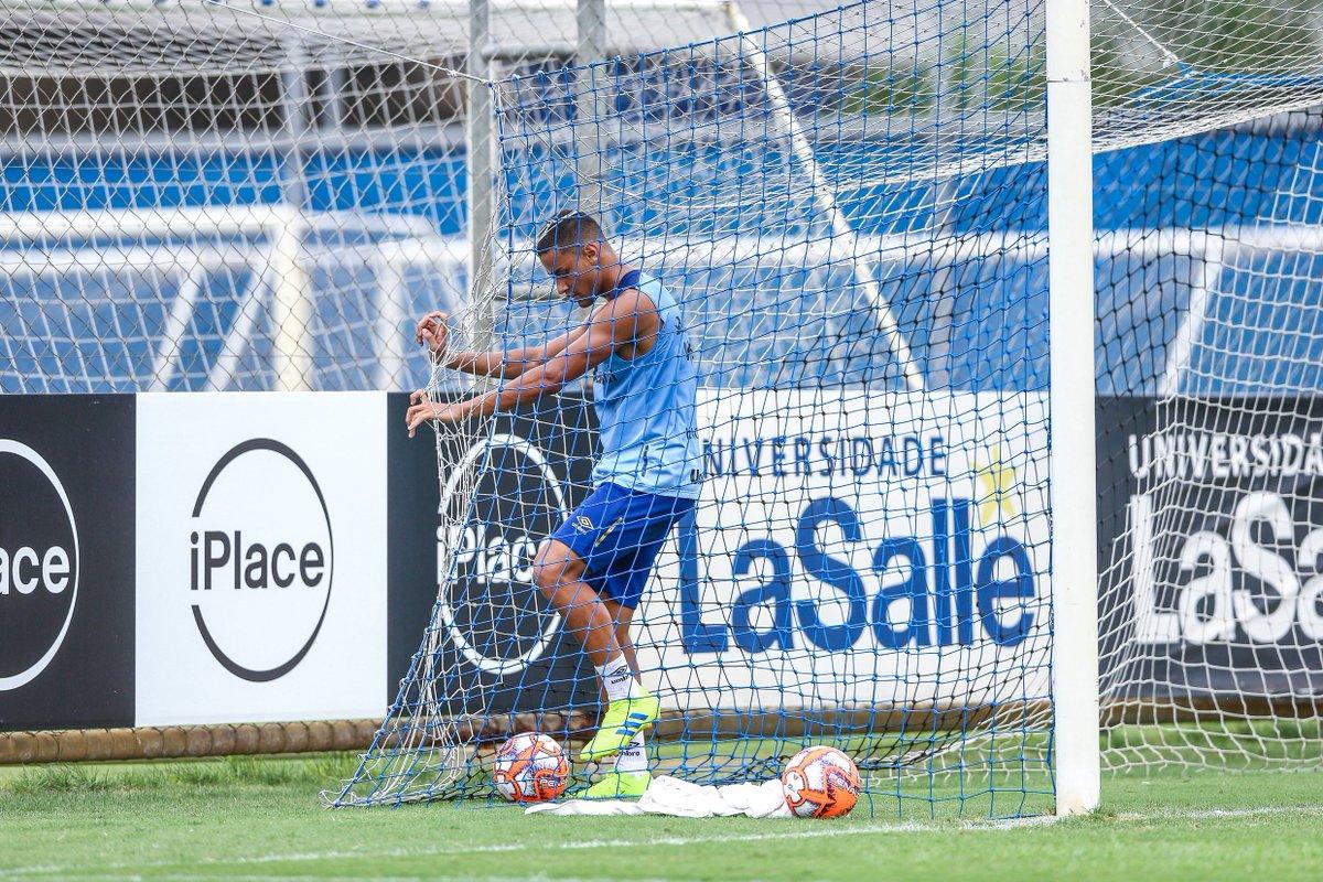Confira detalhes da vitória no último jogo-treino antes da estreia no #Gauchão2019: https://t.co/dprvJxelw6 #PréTemporadaLaghettoHotéis2019    📸: Lucas Uebel / Grêmio FBPA