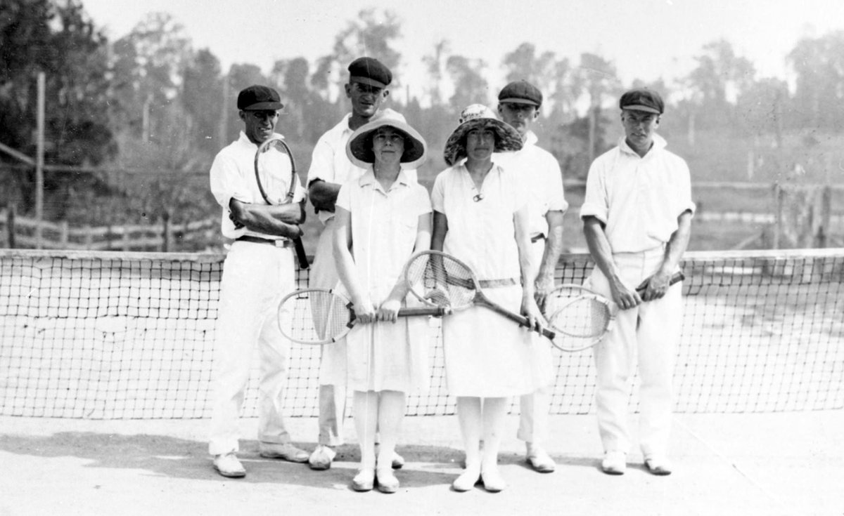 #FlashbackFriday to tennis players on the court at #Maleny, ca 1930s (how about those outfits?)  More stories of the early days of tennis on the #sunshinecoast: https://buff.ly/2RwaPgU  #flashbackfriday #heritagesunshinecoast #AusOpen