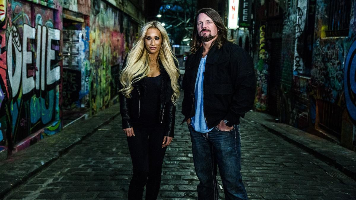 #FlashBackFriday: @AJStylesOrg & @CarmellaWWE visited #HosierLane Melbourne during a #WWESSD promotional tour in June 2018. #WWEAustralia