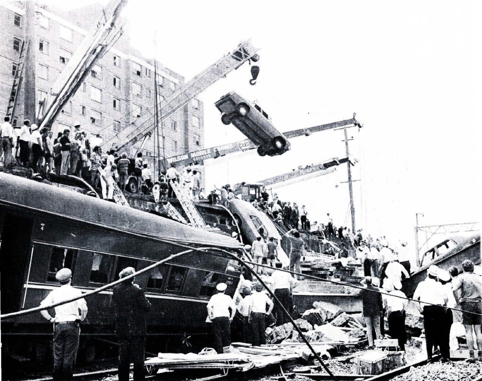 Today we remember those who lost their lives and thank those who helped selflessly at the Granville Train Disaster in 1977. @FRNSW #FlashbackFriday
