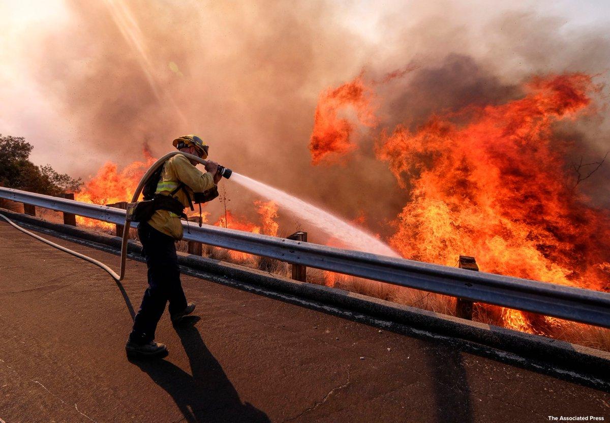 Government shutdown taking toll on wildfire preparations. https://t.co/q7iVUtGjI6