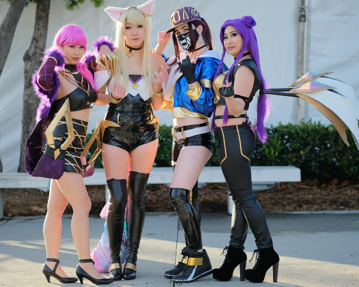I promise I&#39;ll stop posting so many cosplay pics after this but THE SQUAD SERVED LOOKS LAST WEEKEND AND IM SO PROUD <br>http://pic.twitter.com/TEx4yA8SAa