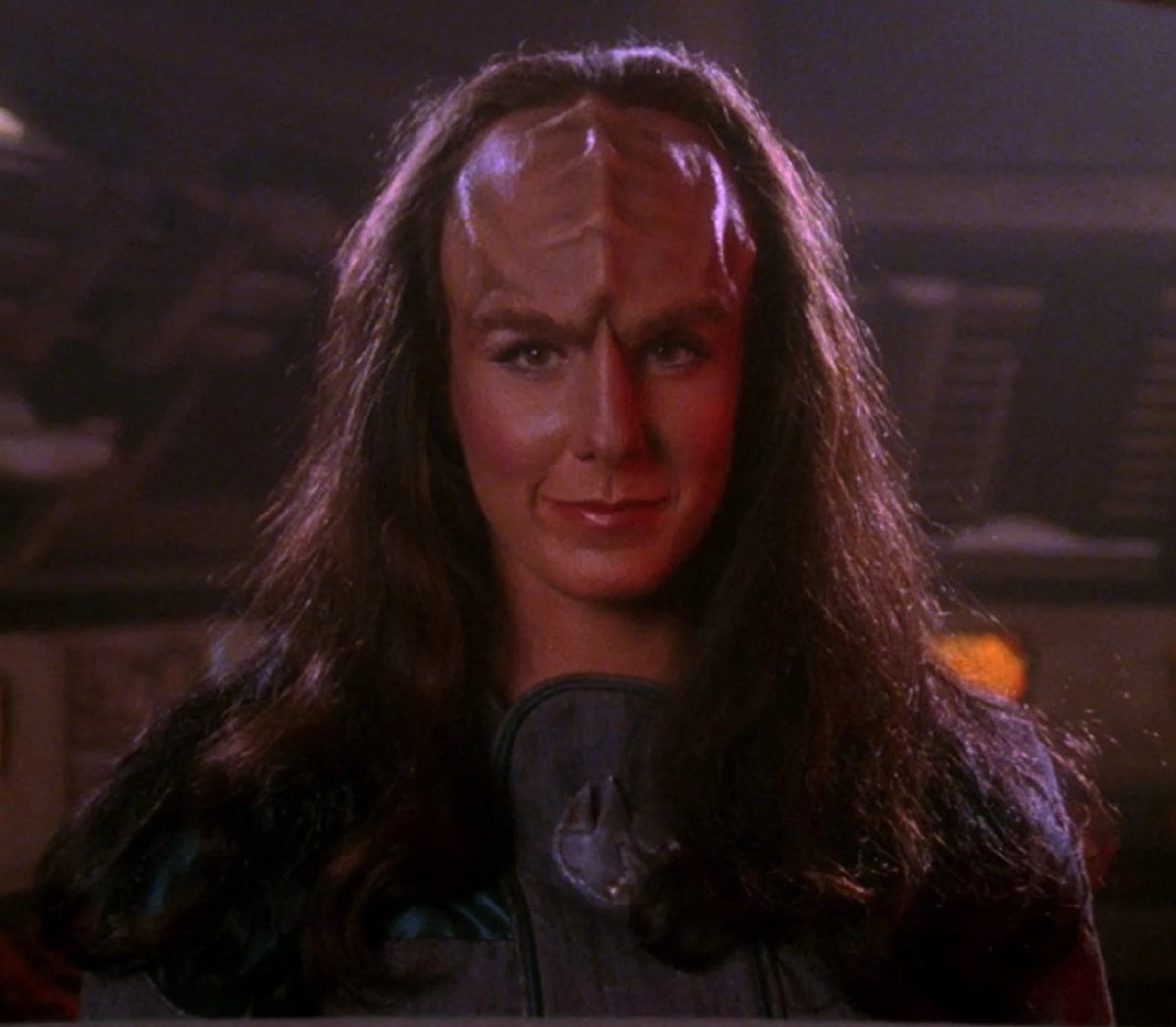 :gasp:  is this.....a Klingon space bitch preliminary findings suggest YES  #trektweets <br>http://pic.twitter.com/QPb5YoEdTI