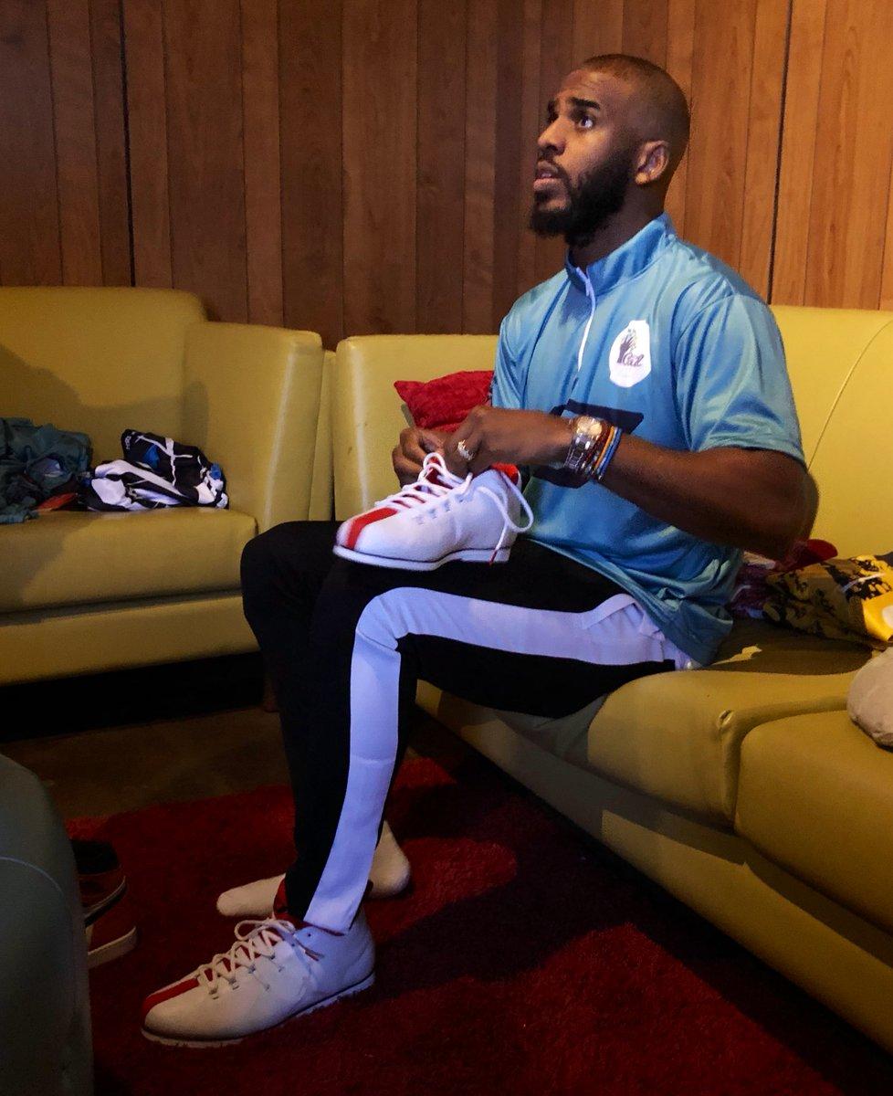 Jordan CP3 bowling shoes