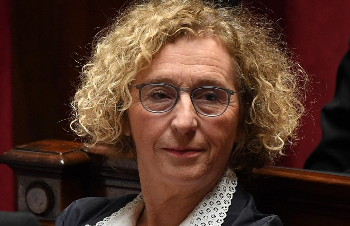 Muriel Pénicaud: « on ne résout pas 30 ans de chômage de masse d'un coup de baguette magique » https://t.co/yt12C3fqka