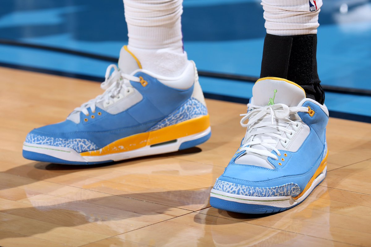"5593d6ec5ee69e StephensonLance wearing the Air Jordan 3 ""Do The Right Thing"" against the  Thunder.pic.twitter.com wej6hjkGQX"