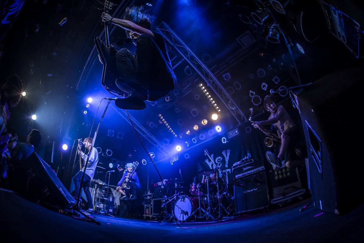 """RT @HEY_SMITH_Japan: 1/16(水) 佐賀GEILS """"Life In The Sun TOUR"""" photo by @HayachiNne https://t.co/zTb8bpIniU"""