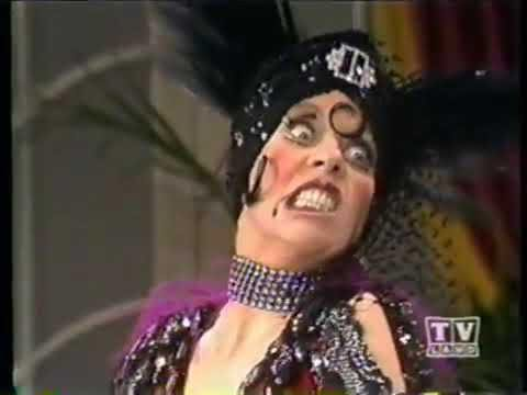 "Carol Burnett Show ...as Nora Desmond  ""Max, am I still pretty when I'm angry."" #MeTv #Svengoolie https://t.co/fJHoVp1TdE"