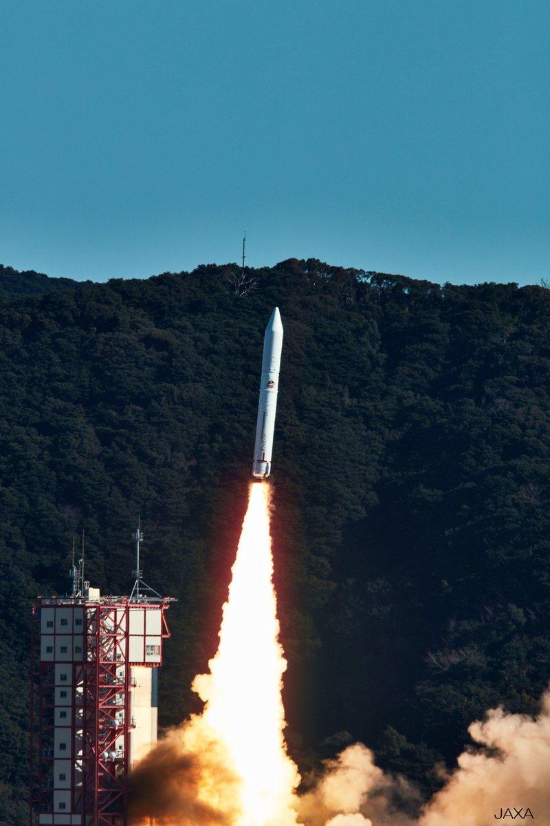 イプシロンロケット4号機の打上げに成功し,革新的技術衛星実証1号機に搭載された全ての衛星が,所定の軌道に投入されたことを確認いたしました。 このことを受け,柴山文部科学大臣の談話を掲載しました。 https://t.co/Z8Qlt70AQR #mext #科学 #JAXA  #イプシロン