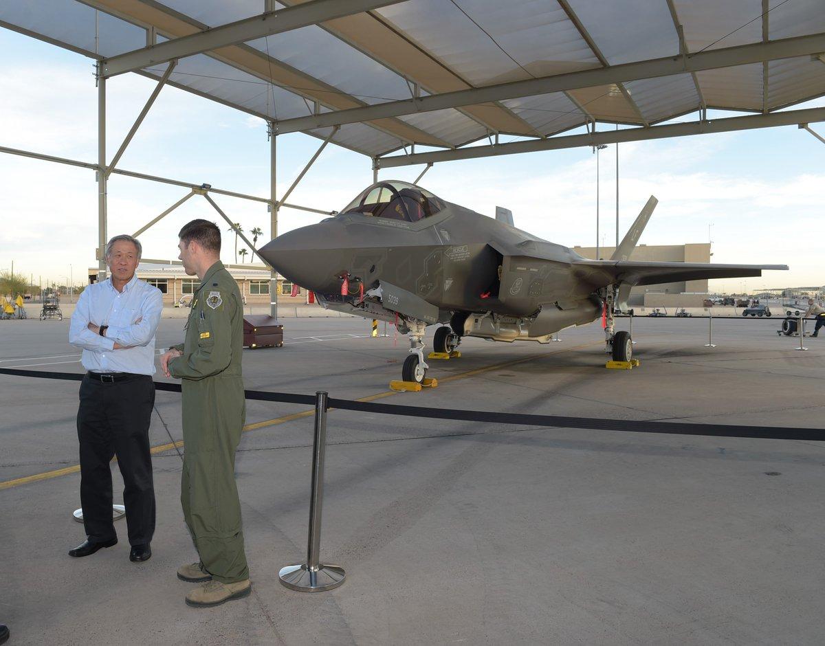 سنغافوره تقر خطه لشراء مقاتلات F-35 الشبحيه  DxLQ045U0AA6YmE