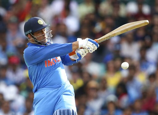 RT @msdfansofficial: Retweet if you are Happy to finally see @msdhoni bat at no. 4!💙🇮🇳  #AUSvIND #Dhoni #MSDhoni https://t.co/pNxgYuErgF