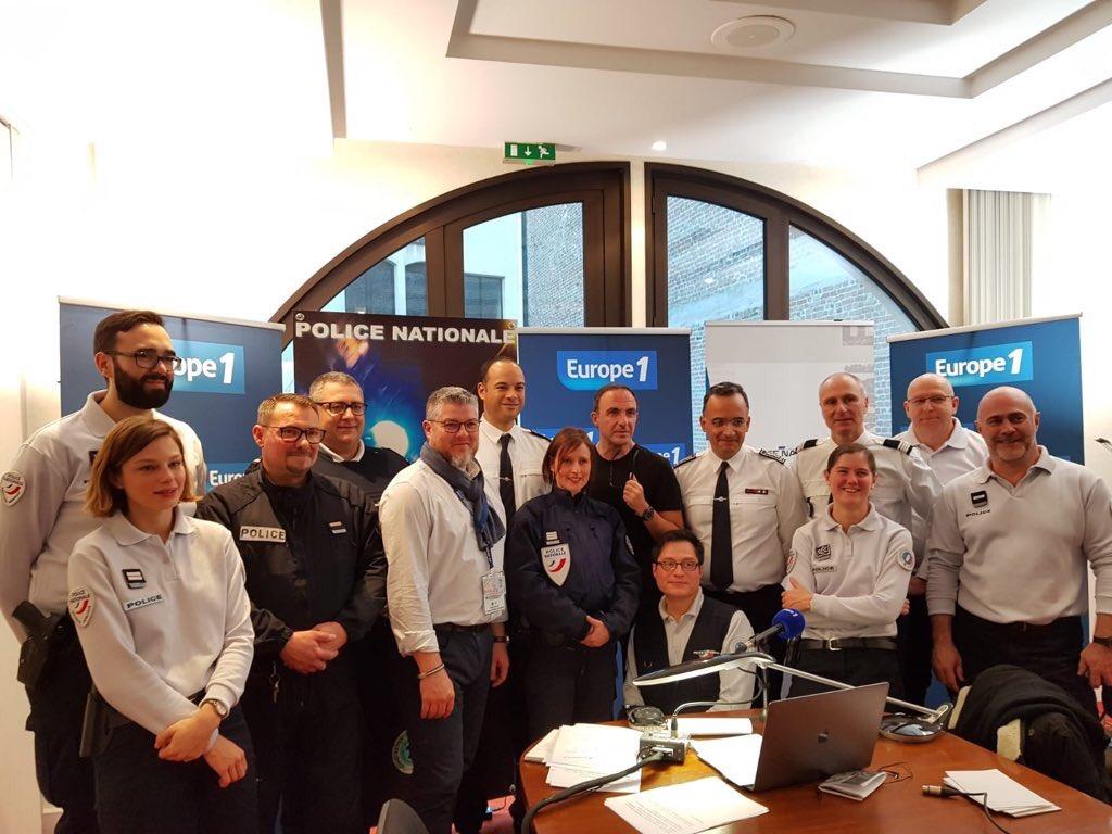 [#Europe1] Merci de nous avoir écoutés ce matin en direct d'#Amiens. Nos policiers ont été fiers de vous accueillir dans leur commissariat. #FiersdEtrePoliciers