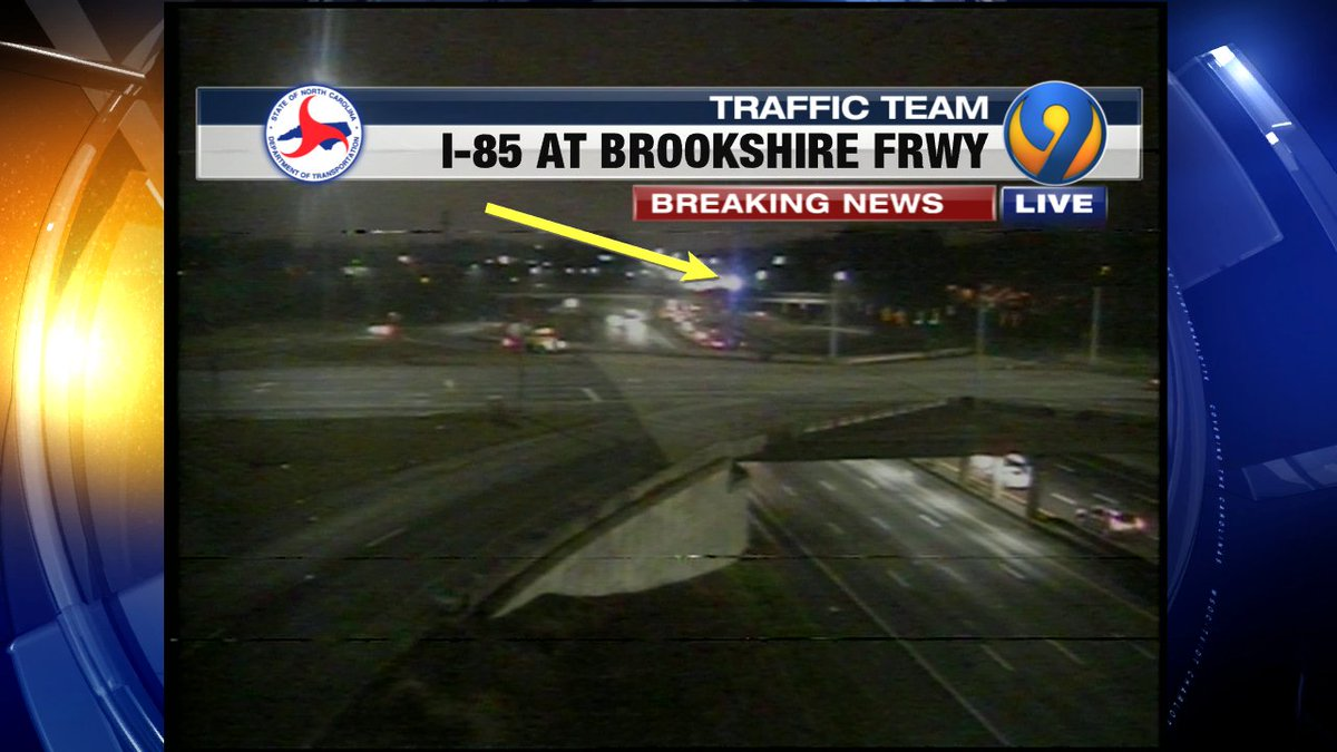 UPDATE: I-85 SB past Brookshire Frwy wreck is starting to cause delays #cltraffic #clttraffic #clt<br>http://pic.twitter.com/VdUiSGxNcp