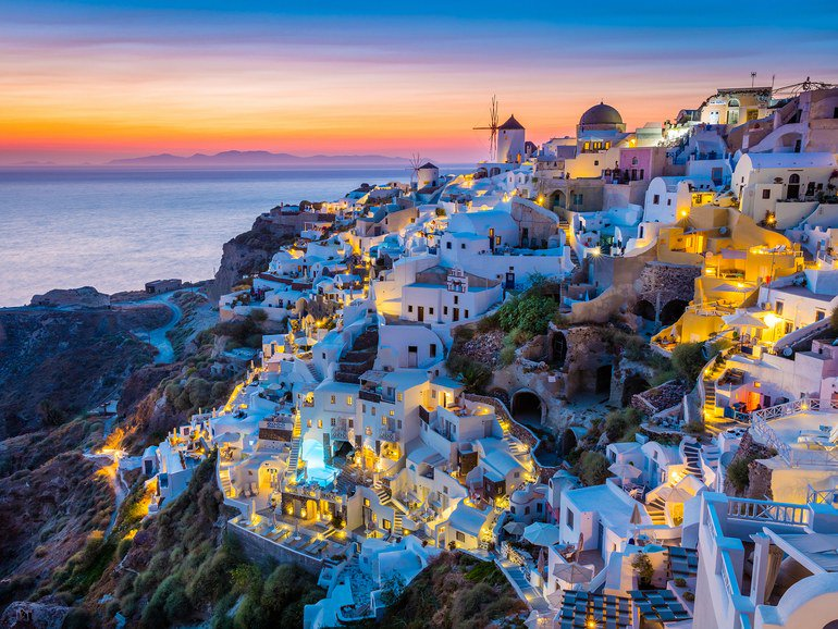 50 incredible destinations everyone needs to see before they die: https://t.co/vX2AkKs3Z9