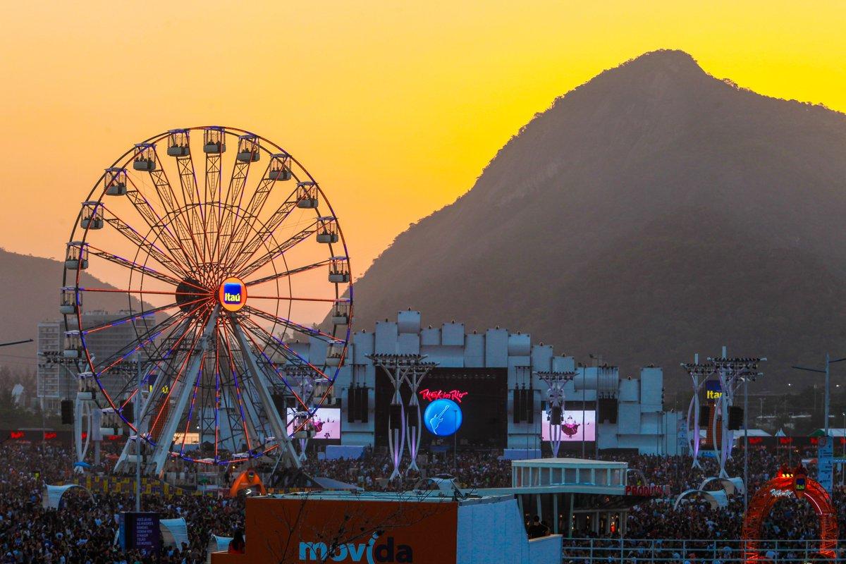 E esse pôr do sol na Cidade do Rock? 😍 #RockinRio
