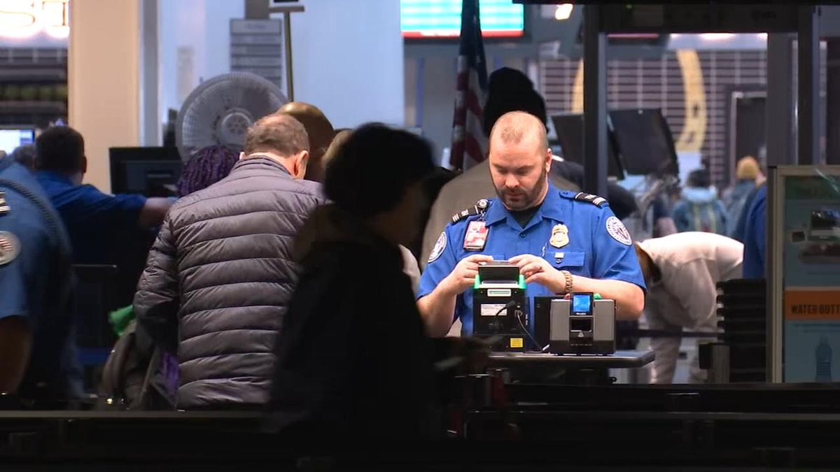 RALLY AGAINST SHUTDOWN: Federal workers at @flypdx are planning to protest the government shutdown today. We have the details on Good Day Oregon at 7:04 a.m.