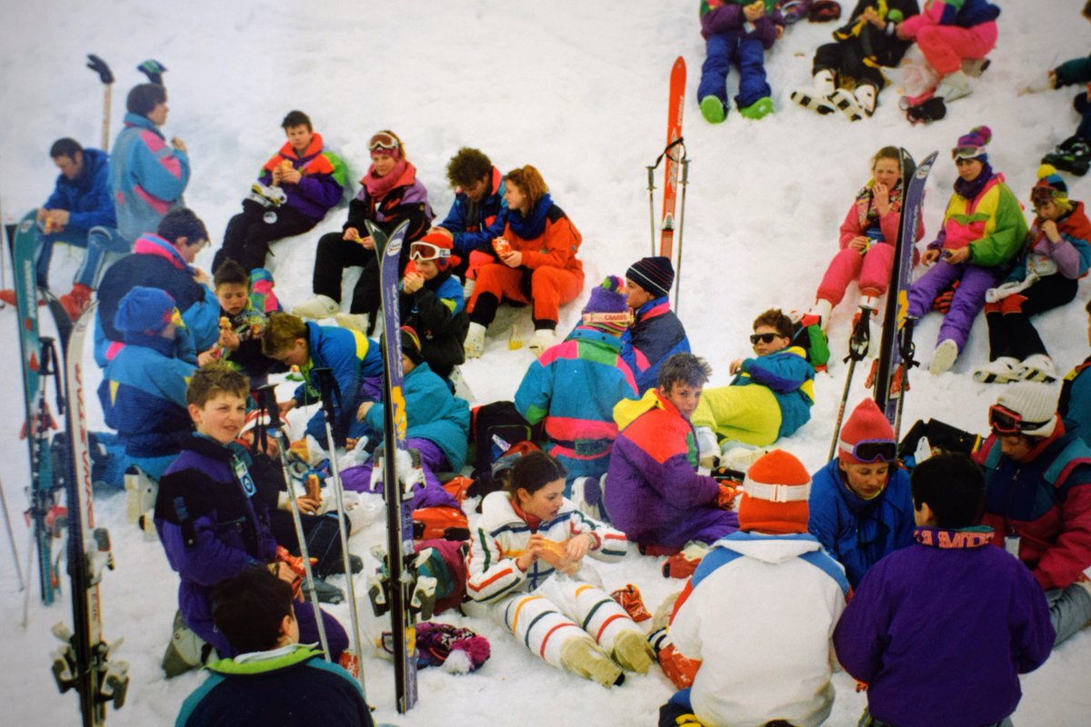 Flashback Friday: Lunch on the slopes - not sure where, not sure when, but a great photo. Slightly more snow than Glenshee has at the moment! If you're in the photo and can enlighten us, do let us know. #FlashbackFriday #alumni #craigclowanFPs #craigclowanfamily