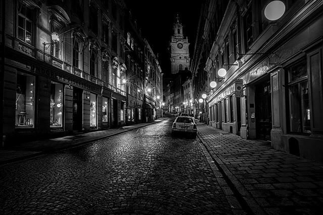 When everybody sleeps #tornephoto #stockholm #visitsweden #visitstockholm #blackandwhite #instablackandwhite #blacknwhite #night #nightshot #nightscape #night_shooterz #nightphotography #nights #nightshooters #nightphoto http://bit.ly/2syPogd
