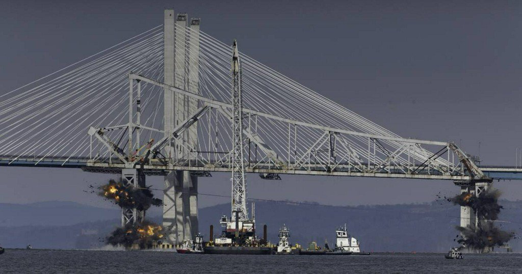 MEGAPIXELS: A fiery end for the old Tappan Zee Bridge https://t.co/KJJ2UJXrCG