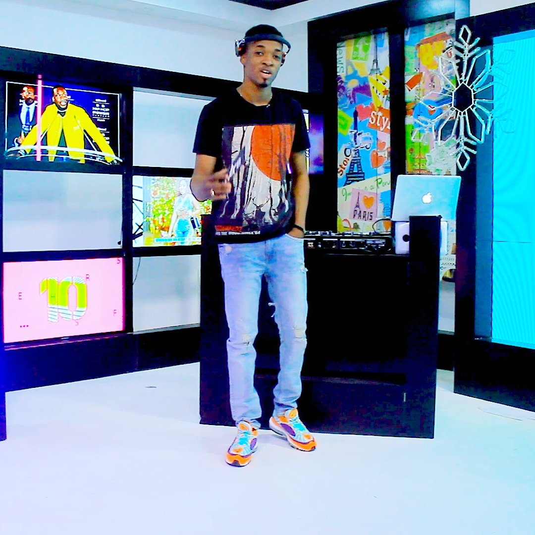 #NowShowing 📺 #MuzicBox live with @djmillzygh brought to by @MTNGhana and @OrijinGH  @djmillzygh styled by @czarsneakers  📺Your No1 Urban Entertainment Music Channel #4syteTv