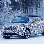 Image for the Tweet beginning: Chop-top #Volkswagen T-Roc Cabriolet spied