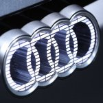 Image for the Tweet beginning: Audi plans Q3-sized electric crossover,