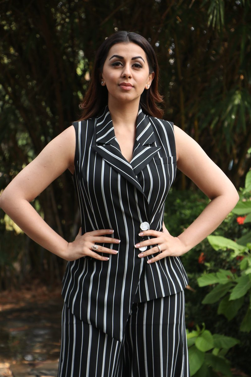 Nikki Galrani for a Twin Biggie!