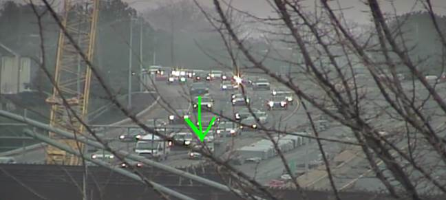 UPDATE: IB Independence at Hawthorne Ln. bridge wreck is on the left shoulder #cltraffic #clttraffic #clt<br>http://pic.twitter.com/sYz21YDkar