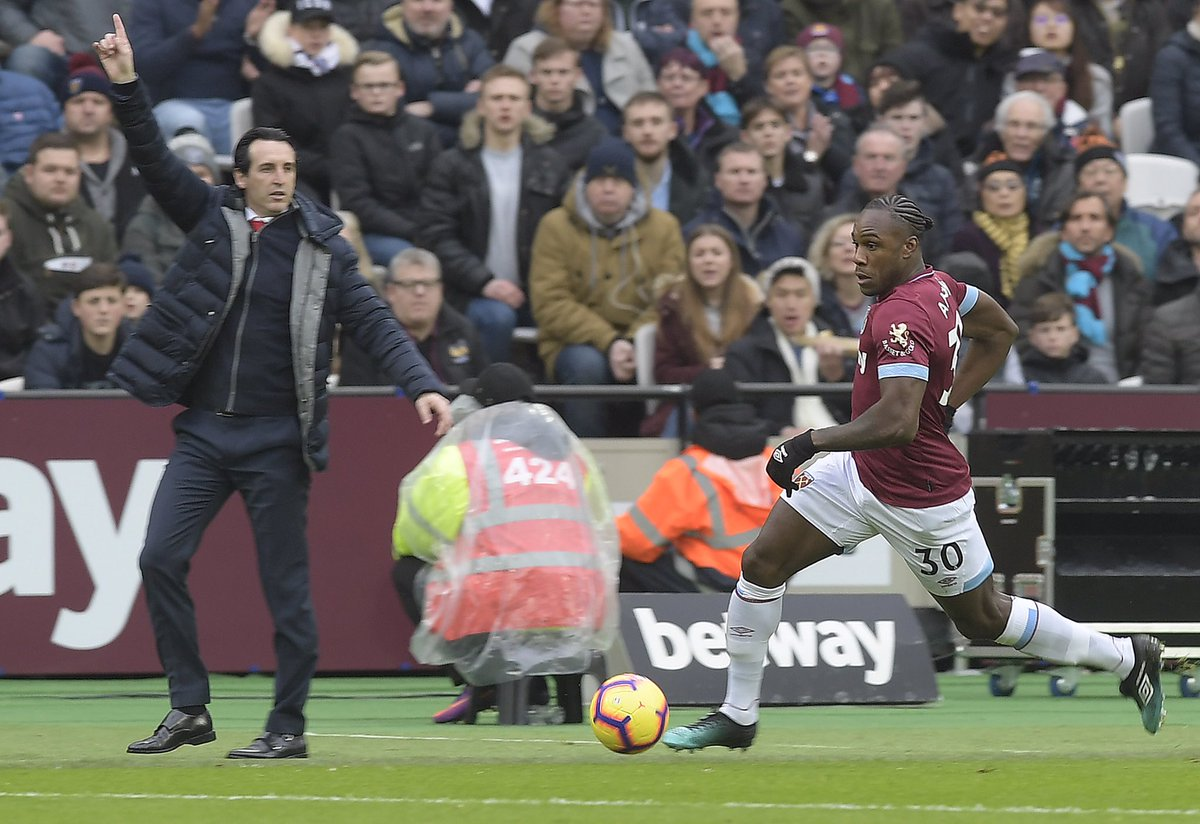 Last week we had the Arsenal manager dancing, let's add a cherry on top! 🕺🏻🍒 #COYI https://t.co/LvihVki3F6