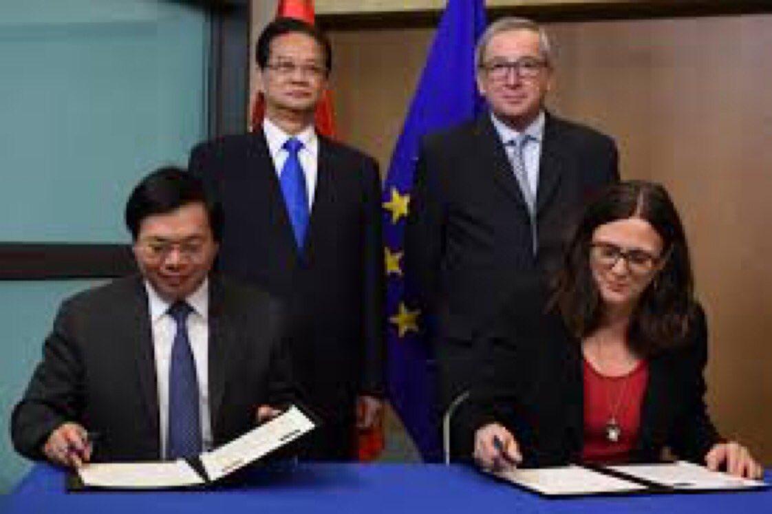 Vietnamesische u. internationale NGOs drängen @eucopresident u. @berndlange, die #EVFTA-Ratifizierung zu verschieben, bis #Vietnam konkrete Fortschritte bei Menschenrechten nachweist. Viele Gruppen unterzeichneten aus Angst vor Verfolgung den Aufruf nicht. https://t.co/jjoOq5dQoV