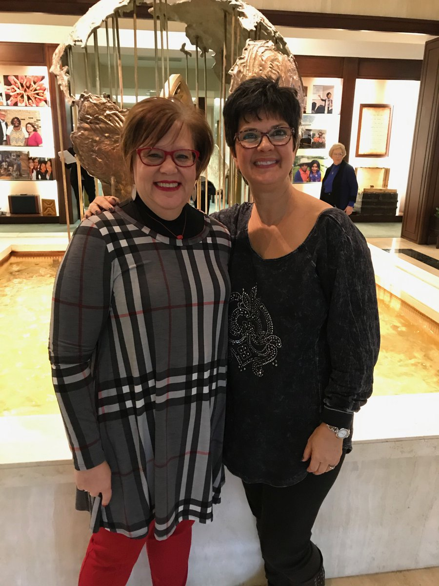 Here I am with my assistant, Beth, in our first face to face meeting ever! So awesome to connect in person! #seriously #virtualassistant #Face2Face <br>http://pic.twitter.com/piAGR2WVjn