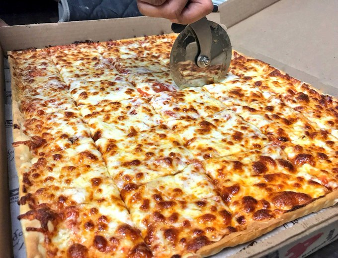 💥 #FridayFeeling GIVEAWAY 💥 WE ARE GIVING AWAY (4) $25 #LEDOPIZZA GIFT CARD! RETWEET AND FOLLOW TO BE ENTERED TO WIN! Four winners picked randomly at 10pm on 1/18/19! Photo