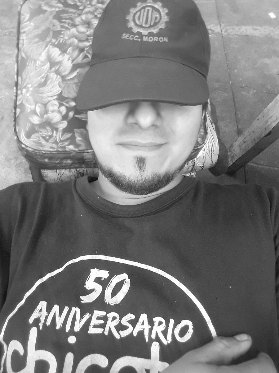 beto's photo on #ViernesDeCaraTapada