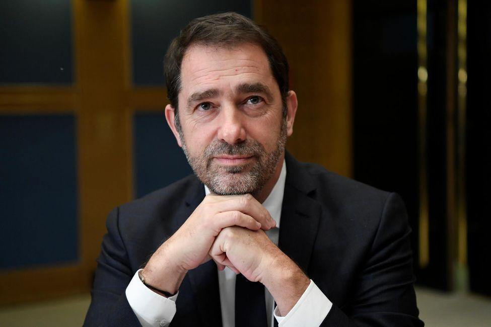 Christophe Castaner se dit «sidéré» par les accusations de violences policières envers les gilets jaunes https://t.co/gfc0AknGZq