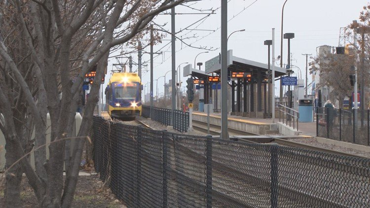 Metro Transit tests two options for new light-rail seats https://t.co/eC5Q5rP3sv