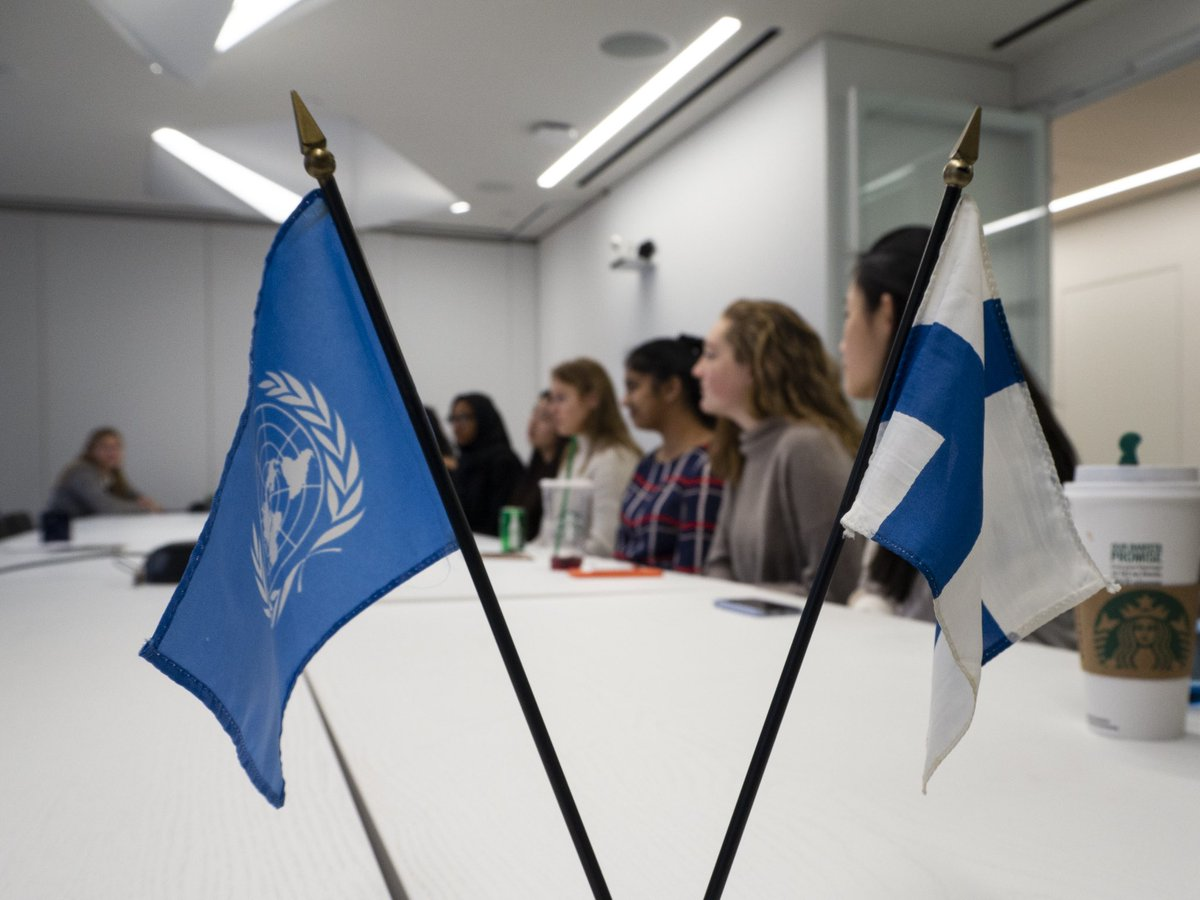 Will there be a @UN in the 2300's? How does the organization deal with sudden crisis? The #ModelUN club of @AgnesIrwin school visited us today and posed some excellent questions to our Ambassador  @sauerka