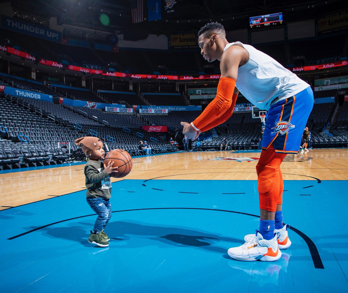 Let's Collectively Melt Over This Video of an NBA Player Warming Up With His 1-Year-Old Son