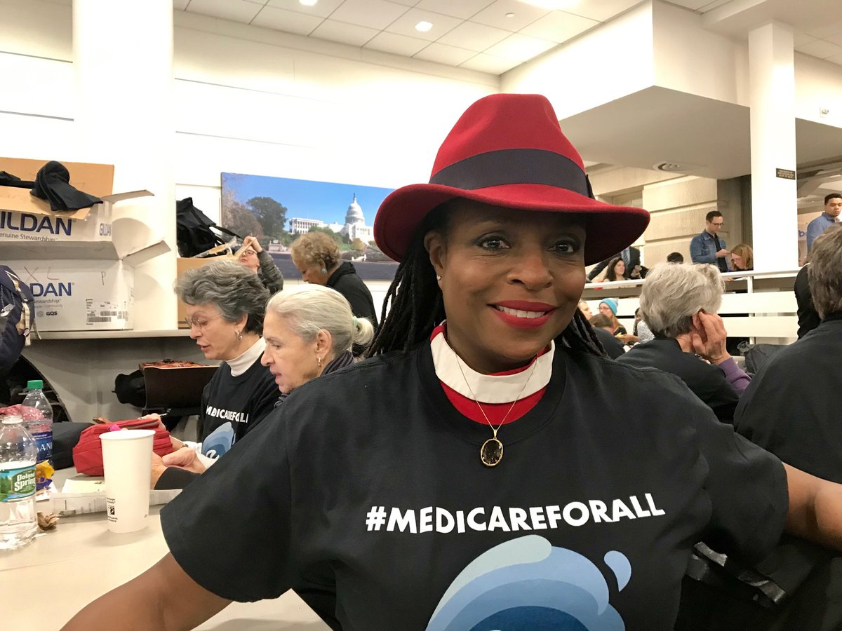 Gathering with women from South Carolina and Washington State as we get ready to lobby for #Medicare4All #WomensWave #WomensMarch2019<br>http://pic.twitter.com/zFNxrtdmAQ