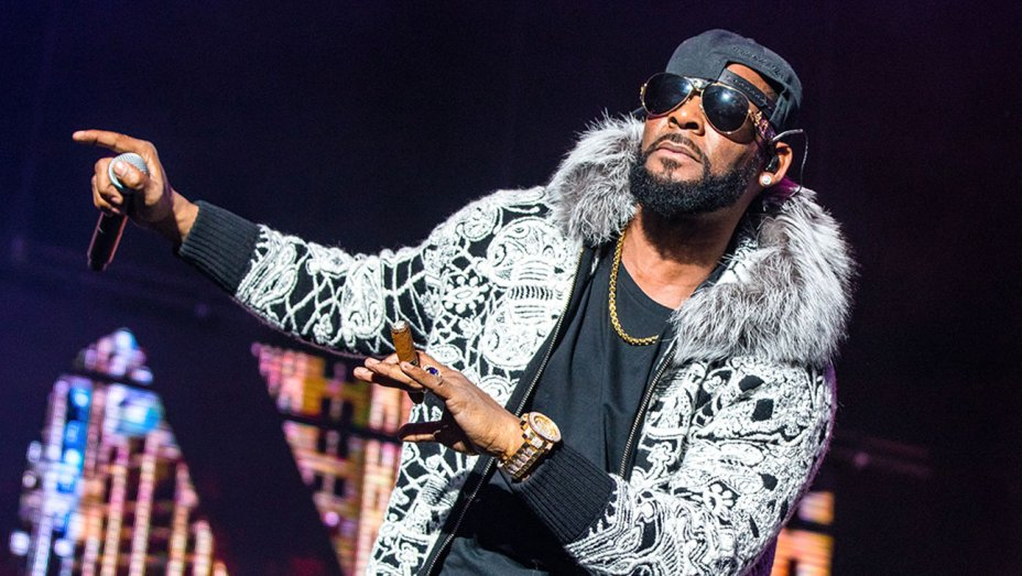 Sony, R. Kelly part ways https://t.co/p49oT2KXZ6